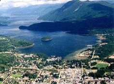 Great aerial shot of Sechelt and its tiny isthmus (I just like typing that one), with the miniscule Poise Island heading out of Porpoise Bay and up Sechelt Inlet.