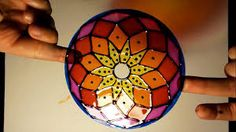Convertí un CD viejo - Using old CDs Cd Crafts, Recycled Crafts, Diy And Crafts, Arts And Crafts, Paper Crafts, Cd Recycle, Cd Art, Faux Stained Glass, Paperclay