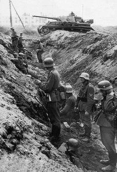 WW2. German trench, Stalingrad. -Fotos históricas de la SGM.