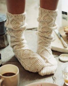 Cable Knit Socks, Knitting Socks, Cozy Knit, Woolen Socks, Knitting Ideas, Crochet Socks, Knitting Projects, Slouch Socks, Knit Crochet