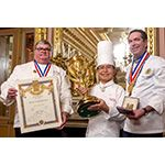 """Resumen: El chef ejecutivo Hirochika Midorikawa, galardonado con el premio de la cocina francesa """"La Coupe d´Or Internationale d´Art…"""