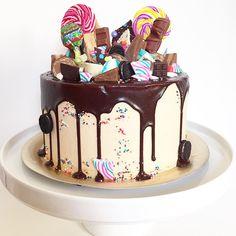 Orange cake and candied fruit - HQ Recipes Candy Cakes, Cupcake Cakes, Drippy Cakes, Chocolate Drip Cake, Bolo Cake, Buttercream Cake, Creative Cakes, Celebration Cakes, Let Them Eat Cake