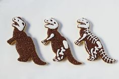 Simple Dinosaur Cookies -Sugar Cookies Decorated with Royal Icing with No Bake Sugar Cookies, Sugar Cookie Royal Icing, Fun Cookies, Cake Cookies, Decorated Cookies, Iced Cookies, New Birthday Cake, Homemade Birthday Cakes, Birthday Cookies