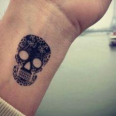 Tattoo Day of The Dead Skull/Calavera del Día de los Muertos
