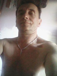 Ladny meszcyzna i chyba seksowny mi sie podoba a tobie pozdrawia Andrzej
