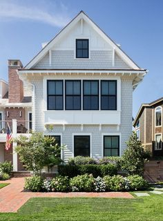 benjamin moore trim white dove masonry horizon gray on country farmhouse exterior paint colors 2021 id=34893