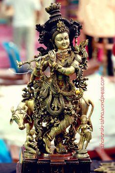 Yashoda Krishna, Iskcon Krishna, Krishna Statue, Jai Shree Krishna, Lord Krishna Images, Radha Krishna Pictures, Radha Krishna Photo, Krishna Photos, Radha Krishna Love