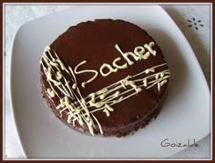 Esta es mi mini Tarta Sacher, ya que en casa somos poquitos y ahora mismo no tengo ninguna celebración a la vista, pero esta tarta la …