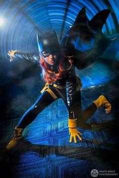 Character: Batgirl (Barabara Gordon) / From: DC Comics New 52 'Batgirl' / Cosplayer: Nina Lynn (aka Fawnina, aka Mango Sirene) / Photo: White Specs Photography / Event: Youmacon Cosplay Dc, Batgirl Cosplay, Cosplay Outfits, Best Cosplay, Cosplay Girls, Cosplay Costumes, Awesome Cosplay, Cosplay Ideas, Batwoman