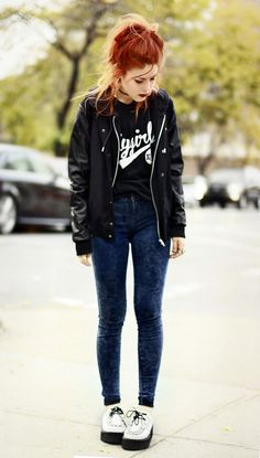 I love her grunge look and her shoes !