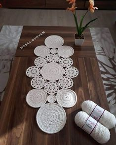 Good morning in my ropes are very much in demand, friends, cotton macrame rope brand Ball Yarn Ball Crochet Square Patterns, Crochet Motifs, Crochet Cross, Crochet Home, Crochet Doilies, Crochet Stitches, Crochet Table Runner Pattern, Crochet Tablecloth, Crochet Circles