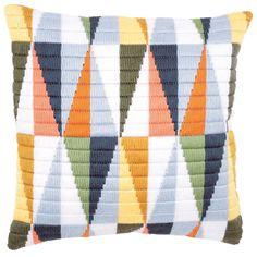 Cross Stitch Cushion, Dmc Cross Stitch, Cross Stitching, Cross Stitch Embroidery, Needlepoint Stitches, Needlepoint Pillows, Needlepoint Patterns, Embroidery Patterns, Bargello Needlepoint