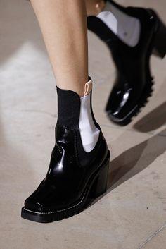 8334e1af Louis Vuitton Bolsos De Moda, Tacones Altos, Otoño Invierno, Zapatillas,  Femenina,