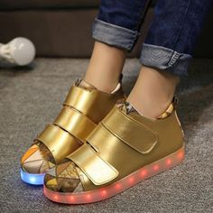 #goldledshoes #goldlowtopshoes #girlsgoldledshoes #girlslowtopshoes #girlsgoldlowtopshoes #girlsledshoes. Girls can wear this gold led light up shoes everyday or special occasion. Shop a very comfortable gold low-top shoes with led lights for girls.