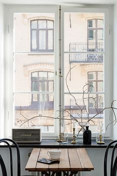 Home sweet home Scandinavian Style, Scandinavian Interiors, Style At Home, Ventana Windows, Room Inspiration, Interior Inspiration, Sweet Home, Through The Window, Home And Deco
