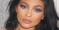 Kylie Jenner's Personal Makeup List: Warm Up The Visa, It's A Big One