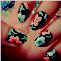Floral nail design is perfect for spring.