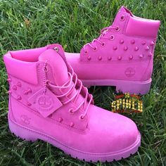 Custom HOT Pink Timberlands BIG Kids & Women ONLY ) see other listing for small kids Timberland Outfits, Timberland Stiefel Outfit, Timberland Heels, Timberland Fashion, Pink Cheetah, Slippers, Girls Shoes, Converse Shoes, Style
