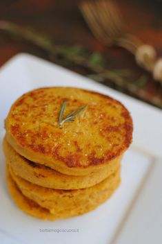 Pumpkin and chickpea burger - Pumpkin and chickpea burger – Barbie Magica Cuo. Vegetarian Day, Vegetarian Recipes, Veg Recipes, Cooking Recipes, Chickpea Burger, Happy Vegan, Salty Foods, Food Obsession, Everyday Food