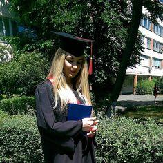 ��⭐��⭐��⭐��⭐�� . . . #graduation #knu #выпуск2017 #ceremony #happyday #diploma #masterdegree #student #friends #кну #celebration #graduationday #выпуск #graduate #university #blackandred #look #outfitoftoday #girl #ootd #blonde #summertime #smile #kievgram #vsco #kievblog #vscocam http://butimag.com/ipost/1555304504479418512/?code=BWVjTTbD4iQ