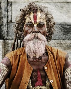Saddus - - beautiful photos of Saddus found on the inter web* We Are The World, People Around The World, Eric Lafforgue, Foto Real, Steve Mccurry, Hindu Art, Moustaches, Cultura Pop, World Cultures