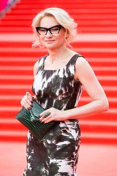 Эвелина Хромченко. I'm in love with her MIU MIU RASOIR  eyeglasses!!