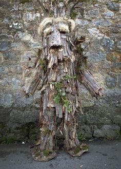 Máscara de árbol, fiesta de la Vijanera de Silió, Cantábria. photo by Carlos González Ximénez