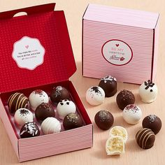 Send chocolate covered strawberries & other chocolate dipped fruit treats delivered from Shari's Berries. Chocolate Photos, Chocolate Gifts, Chocolate Truffles, Chocolate Dipped Strawberries, Chocolate Covered Strawberries, Chocolates, Candy Store Design, Valentines Baking, Dessert Packaging