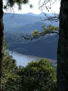 Rio Iguaçu, Ponte do Arco ao fundo.  União da Vitoria/PR  26/03/12