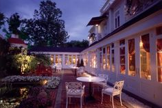 Find the most romantic getaway destinations within a few hours drive from Washington DC including luxury resorts & elegant inns with romantic amenities: The Inn at Little Washington