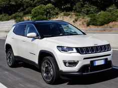 Jeep has finally launched the new Compass in Europe, releasing at the… Auto Jeep, Jeep Suv, Jeep Compass Sport, Jeep Compass Limited, Jeep Patriot, Sw4 Toyota, Toyota Supra, Luxury Cars