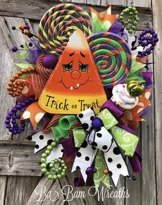 BaBamWreaths on Etsy Halloween Mesh Wreaths, Halloween Door, Holidays Halloween, Holiday Wreaths, Halloween Kids, Halloween Themes, Halloween Crafts, Halloween Decorations, Halloween Season