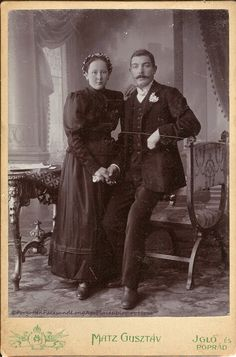 Turn of the century wedding photo. The groom is in avery odd position. He sitting or leaning on something but I cant tell what. Black Wedding Gowns, Wedding Wear, Vintage Wedding Photos, Wedding Pictures, Vintage Weddings, Black Bride, Second Weddings, Here Comes The Bride, Vintage Photographs