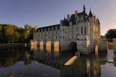 Le château de Chenonceau, Indre-et-Loire. One of the most beautiful and most visited castles of the Loire is above all the gift of a king of France, Henry II, to the love of his life, Diane de Poitiers. This gem of Renaissance architecture is to be visited, both for its architecture as for historical records it contains.