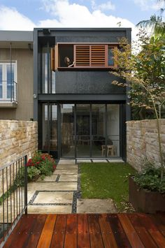 Best Ideas For Modern House Design & Architecture : – Picture : – Description Turn a terrace house into a contemporary oasis in Sydney Residential Architecture, Architecture Design, Architecture Panel, Chinese Architecture, Architecture Office, Futuristic Architecture, Narrow House, House Front, Modern House Design