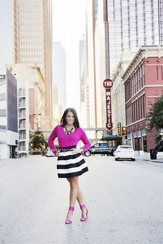 That outfit! So chic! Senior girl pose downtown | city street  | cindy swanson photography
