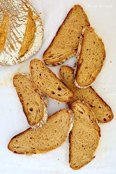 Pâine simplă cu făină de secară şi maia naturală - Bucate Aromate Bread Recipes, Snack Recipes, Snacks, Tasty, Yummy Food, Bakery, Food And Drink, Gluten, Chips