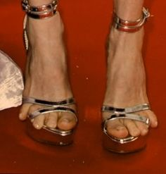 Why!? Why would she do this to herself!? These are Juliane Moore's feet.  Ouch.