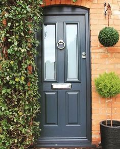 Anthracite Grey all the way! Thank you Hayley Windows for sharing this fantastic shot. Best Front Doors, Grey Front Doors, Front Doors With Windows, Front Door Colors, Front Door Porch, Front Door Entrance, House Front Door, Victorian Front Garden, Victorian Front Doors
