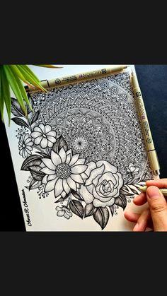 Mandala Art Therapy, Mandala Art Lesson, Mandala Artwork, Doodle Art Drawing, Mandala Drawing, Dibujos Zentangle Art, Zentangles, Doodle Art Designs, Art Drawings Sketches Simple