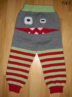 RAWR | Ravelry: Monsterpants/Monsterbukser (Norsk oppskrift) pattern by TonjeJenta