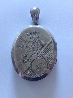 Fine Victorian Aesthetic Engraved Large Oval Hinged Locket