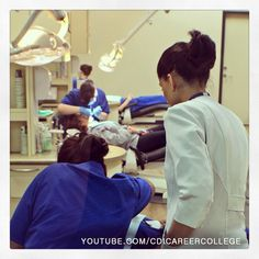 Instructor supervises dental assisting program students at CDI College in Surrey, BC #cdicollege #surrey #bc #canada #dentalassisting #dental #assisting #college #campus #supervisor #instructor #atwork #students