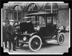 In 1899 Ninety Percent of New York City's Taxi Cabs Were Electric Vehicles - edison electric car, 1913