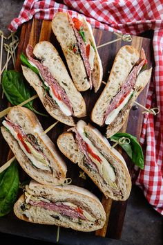 Dreaming of outdoor picnics? Add Pressed Italian Sandwiches to your next one!  http://www.shutterbean.com/2017/pressed-italian-sandwiches/