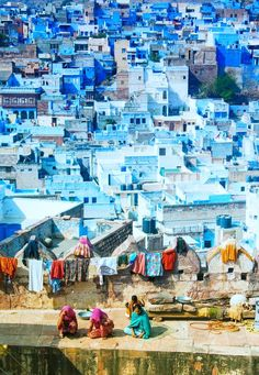 Life on the walls in Jodhpur, India