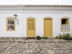 https://flic.kr/p/TYMCjW | Casas do Brasil | Uma elegante casa colonial na charmosíssima cidadezinha de Paraty.  Paraty, Rio de Janeiro, Brasil. Tenha um belo dia... :-)  ______________________________________________  Houses of Brazil  Elegant colonial house in the charming town of Paraty in the state of Rio de Janeiro.  Paraty, Brazil. Have a great day! :-)  ______________________________________________  Buy my photos at / Compre minhas fotos na Getty Images  To direct contact me / Para…