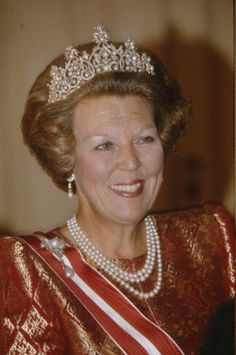 Wurttemberg Ornate Pearl Tiara with Diamond top (Netherlands) worn by Queen #Beatrix. #RoyalTiara