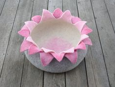 LOTUS  felted cat bed by elevele