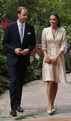 Kate Middleton looked radiant in a soft floral-printed kimono dress by Jenny Packham — the orchids on her dress went perfectly with the Singapore Botanic Gardens scenery. | POPSUGAR Fashion